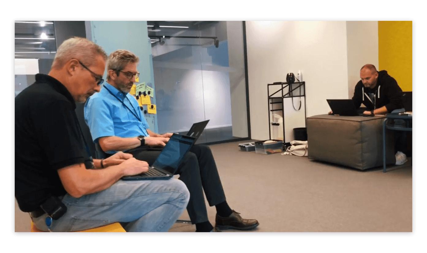 Teilnehmer erarbeiten sich einen App-Prototyp
