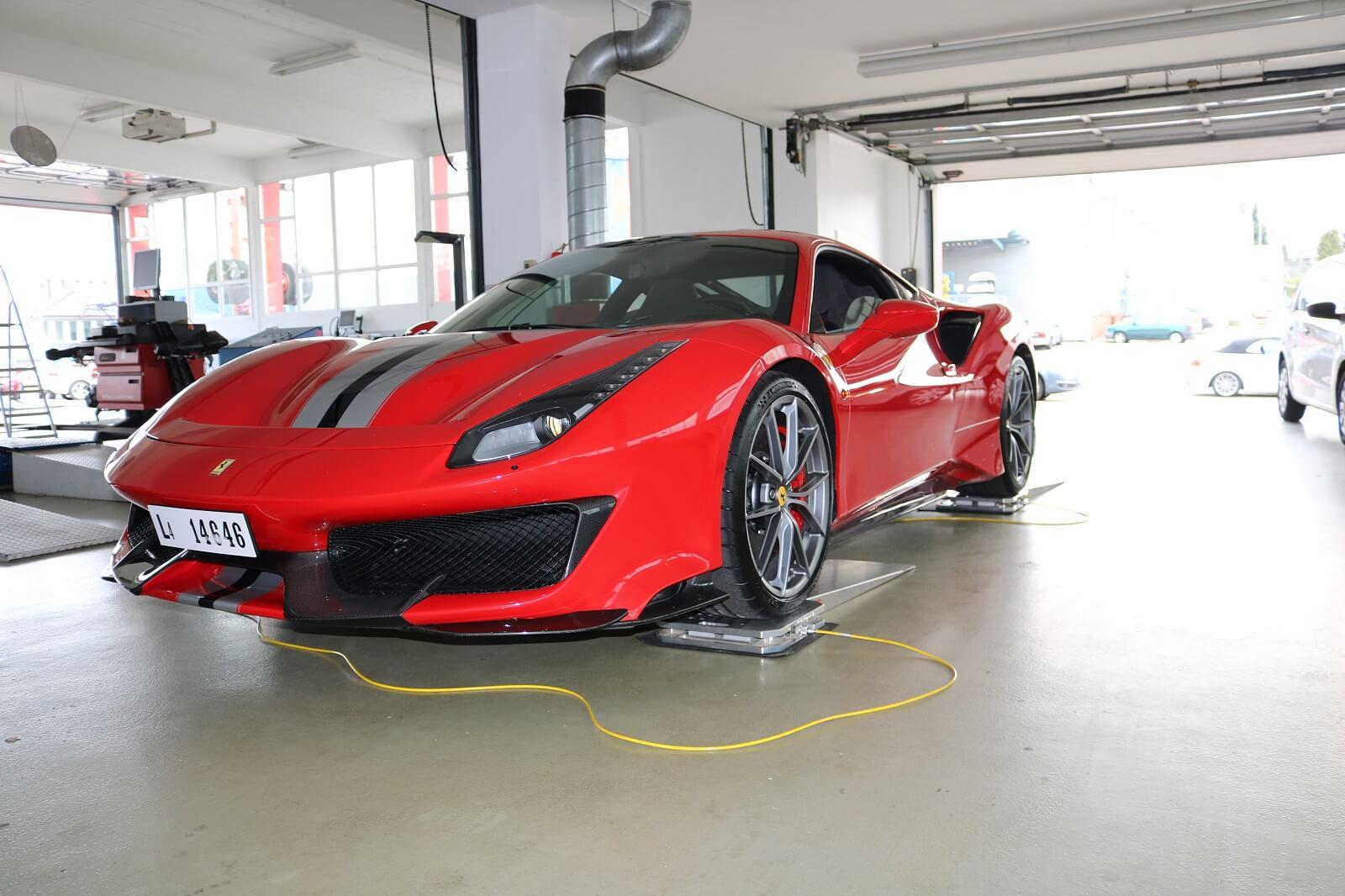 Müller prüft - Ferrari auf dem Prüfstand